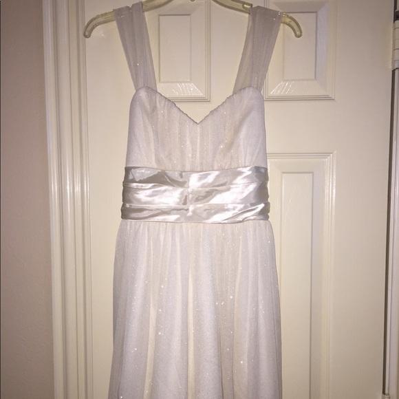 Trixxi Dresses & Skirts - Trixxi White Glitter Cocktail Dress